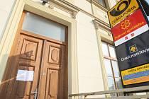 Vykradená pošta v Předměřicích nad Labem