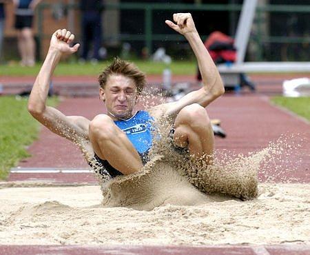 Z atletických závodů