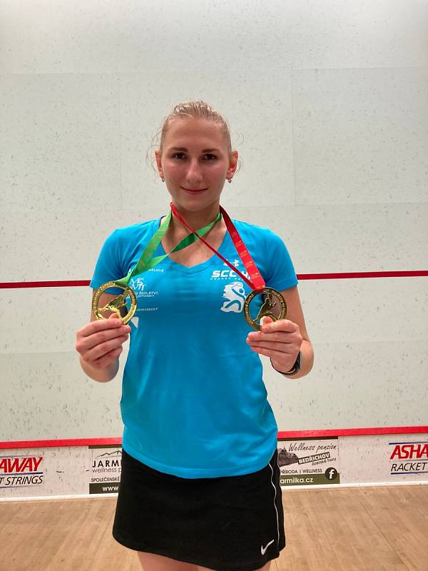 Hradecký oddíl získal dva tituly mistrů ve squashi.