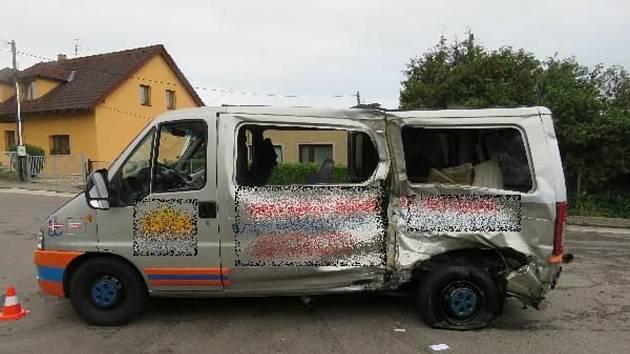 K těžké dopravní nehodě letěl v pátek ráno do Černožic i záchranářský vrtulník