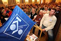 Mítink Českomoravské konfederace odborových svazů v Hradci Králové