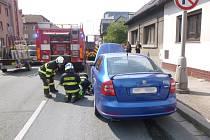 Požár osobního vozidla na Pražském Předměstí.