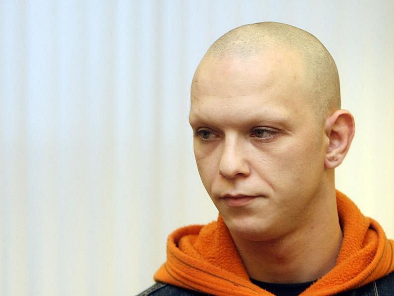 S trestem odnětí svobody na deset let ve vězení se zvýšenou ostrahou odešel v úterý 12. ledna 2010 od krajského soudu Štefan Deňo přepadení pošty v Medlešichích na Chrudimsku.