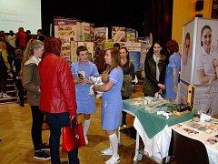 Veletrh studijních a pracovních příležitostí - Prezentace středních škol a zaměstnavatelů.