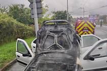 Za požár auta mohla technika