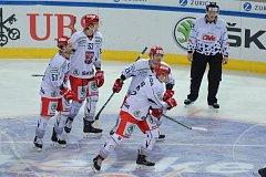 Hradecká radost. Hokejisté vyřadili Rigu 4:1 a postoupili do semifinále Spengler Cupu.