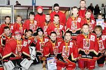 Hradečtí hokejisté ročníku 2002 na Memoriálu profesora Vladimíra Kobery.