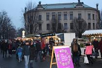 Muzejní adventní trh na náměstí Svobody v Hradci Králové