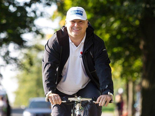 Spolitiky na kole.