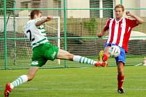 Krajský fotbal ve fotbale: FC Olympia Hradec Králové - FK Jaroměř.