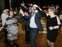 Setkání volyňských Čechů - ples zvaný Holčenská v Nechanicích.