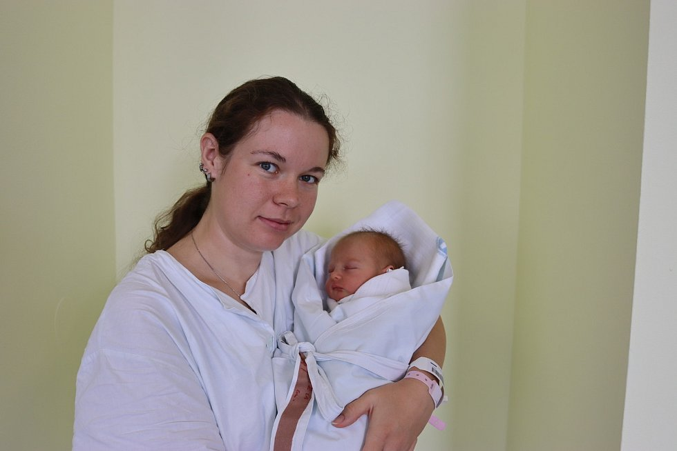 GABRIELA PAJANKOVÁ poprvé vykoukla na svět 20. července v 17.48 hodin.Po narození měřila 47 cm a vážila 2970 g. Největší radost svým příchodem na svět udělala svým rodičům Lucii a Jakubovi Pajankovým.