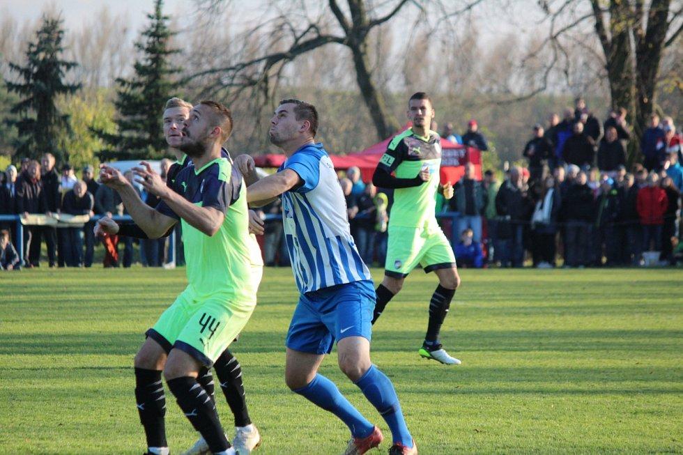 Tomáš Bastin v pohárovém utkání chlumeckých fotbalistů proti Plzni.