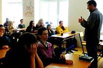 Přednáška v rámci Týdne proti AIDS v hradecké ZŠ Svobodné Dvory.