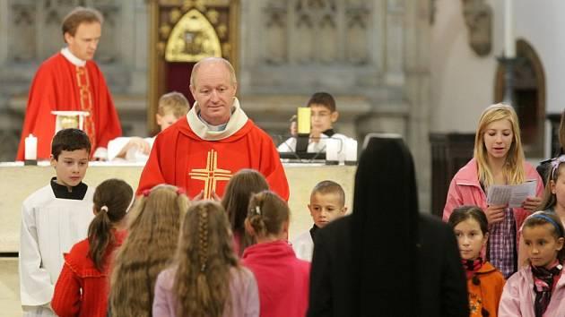 První den nového školního roku v Hradci Králové - modlitba v chrámu sv. Ducha.