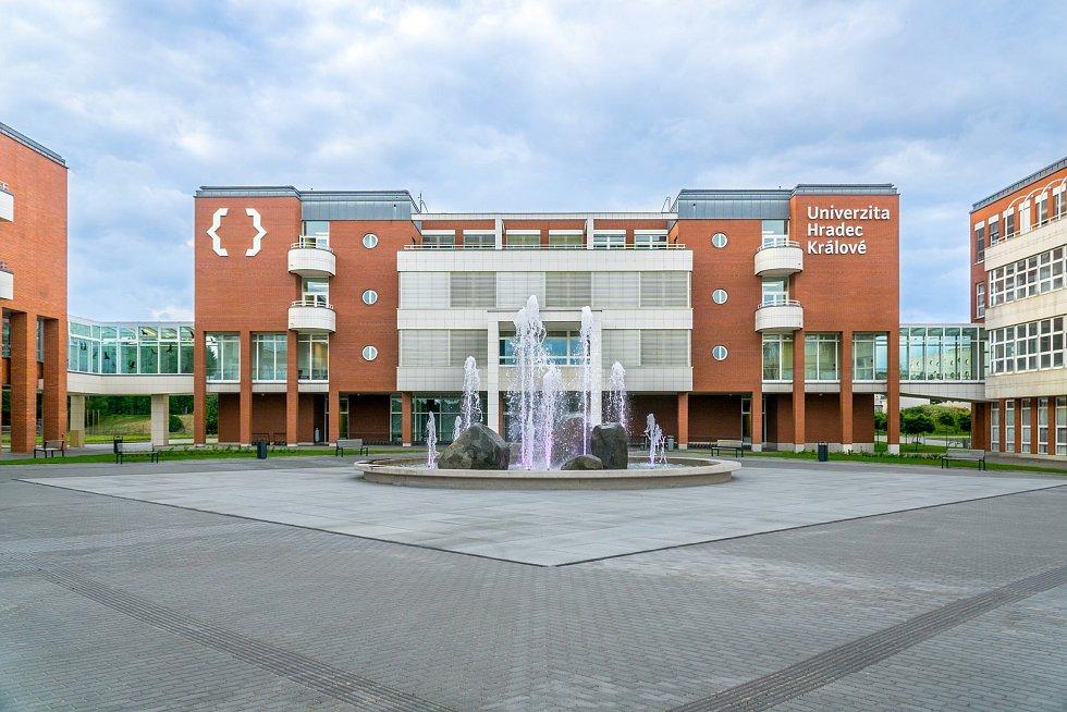 Univerzita Hradec Králové.