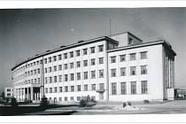 Budova sborového velitelství - lékařské fakulty zhruba ve 40. letech 20. století.