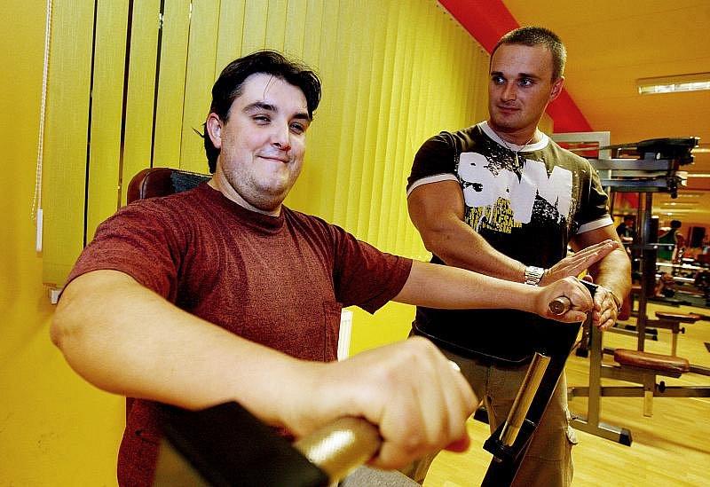 PETR DOSTÁL, 32 let, správce informačního systému z Hradce Králové. Přihlášení do soutěže považuje za dobrý nápad, i tak trochu z recese. Několikrát už se mu povedlo zhubnout, vždy ale shozená kila nabral zpět.