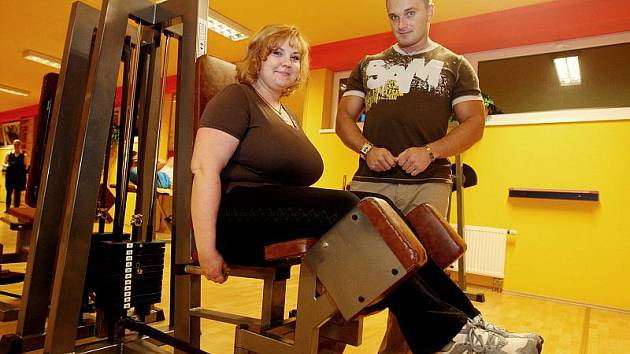 DANA DĚDKOVÁ, 31 let, administrativní pracovnice z Hradce Králové. Do soutěže se přihlásila proto, že by chtěla se sebou něco udělat, zhubnout, mít lepší náladu, poznat nové lidi a také si zlepšit zdravotní stav. Mezi její záliby patří příroda a zvířata.