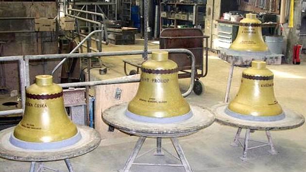 Zvonohra je bohatší o čtyři zvony.