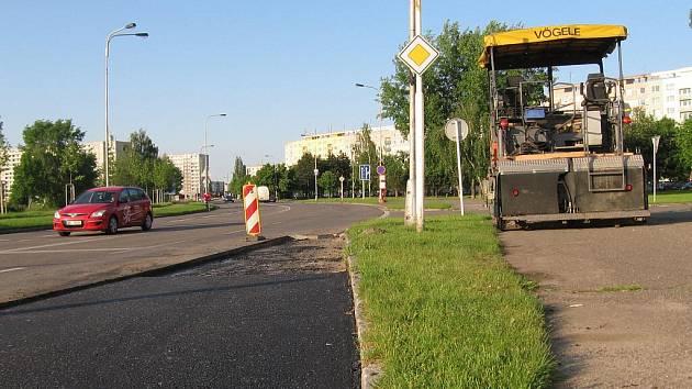 Oprava autobusových zastávek v ulici Štefánikova.