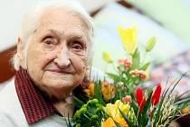 Miloslava Hyršalová z Hradce Králové oslavila 12. ledna 2010  sté narozeniny.