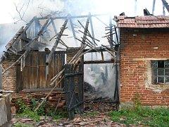 Požár rodinného domu v Králíkách 9. června.