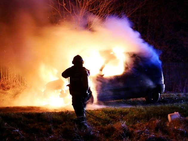 Požár automobilu v Třebechovicích pod Orebem.