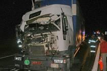 jeden ze čtyř havarovaných vozů