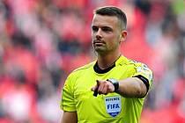 Fotbalový rozhodčí Pavel Orel - z okresní úrovně až na mezinárodní scénu.