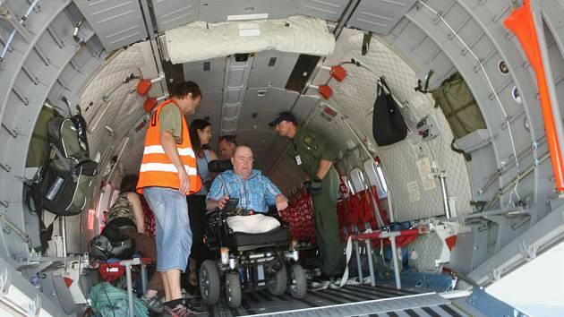 Z akce Open skies for handicapped na královéhradeckém letišti.