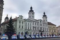 Třiadvacet nových policejních vozidel do kraje.