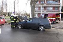 Auto začalo hořet pod rukama