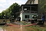 Situace po povodni v Novém Bydžově.