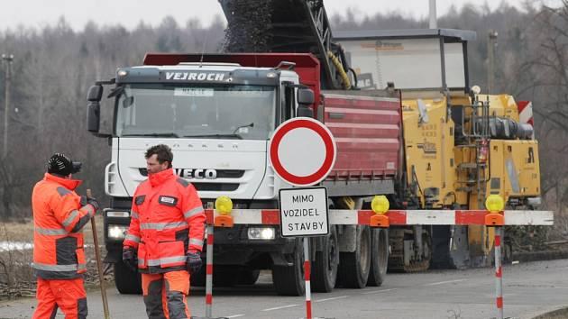 Rekonstrukce silnice ve Slatině.