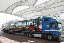 Nové trolejbusy Dopravního podniku města Hradec Králové představené na Terminálu hromadné dopravy.