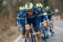 HODNĚ VIDĚT v závodě Alpes Isère Tour byli jezdci stáje Elkov Kasper.