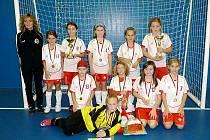Dívky FC Hradec Králové na halovém turnaji v Moravanech.