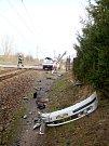 Střet vlaku s osobním automobilem na železničním přejezdu v Černožicích.