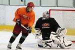 Hradečtí hokejisté vyjeli poprvé na led.