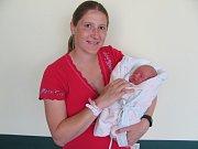JOSEF VOSTÁREK se narodil 18. května v 17.05 hodin. Po porodu vážil 3150 g a měřil 48 cm. Největší radost svým příchodem udělal rodičům Anetě Hladíkové a Josefu Vostárkovi ze Záboří nad Labem.