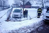 Havárie dodávky v Lovčicích.