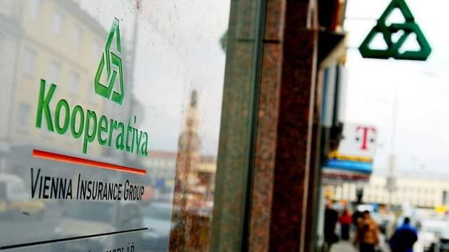 Pojištění společnosti Kooperativa se pro některé pojišťovací zprostředkovatele ve východních Čechách stalo dobře fungující zástěrkou pro vydělávání peněz.