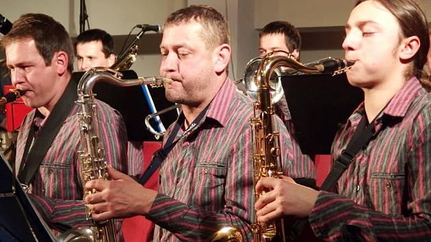 Mladý týnišťský big band.