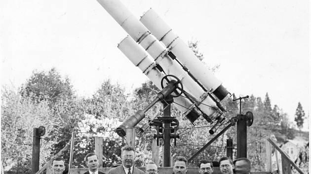 Astronomická společenost Hradec Králové.