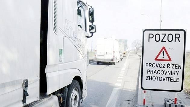 Dopravní omezení u Holohlav.