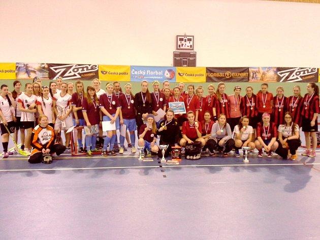 Florbalistky zhradecké Sion High School na republikovém finále soutěže Top 8Východ organizované vrámci projektu Pohár českého florbalu středních škol.