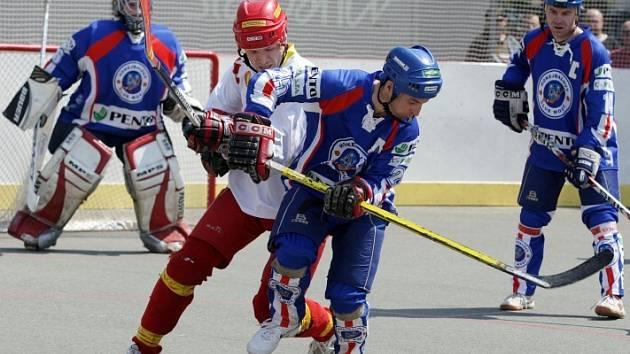 Hokejbal, semifinále play off: Hradec - Most (4. zápas, 2. května 2009)