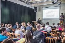 Hradecký startovač - konference pro začínající podnikatele, studenty, start-upy, maminky na mateřské a všechny ostatní nadšence.