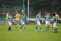 Fotbalistům Kunčic (v zelenobílém) se povedl parádní obrat.